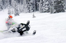 experienced snowmobile tours